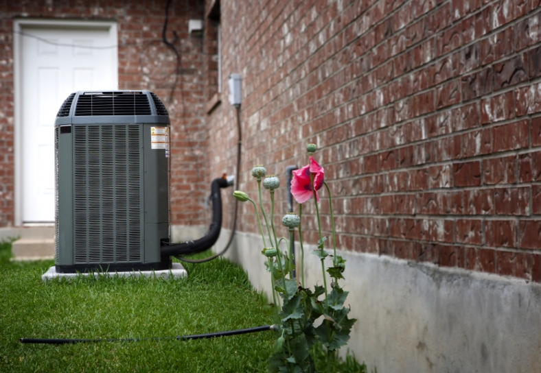 Image of a residential air conditioning unit